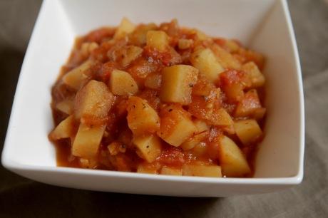 batata refogada com tomate